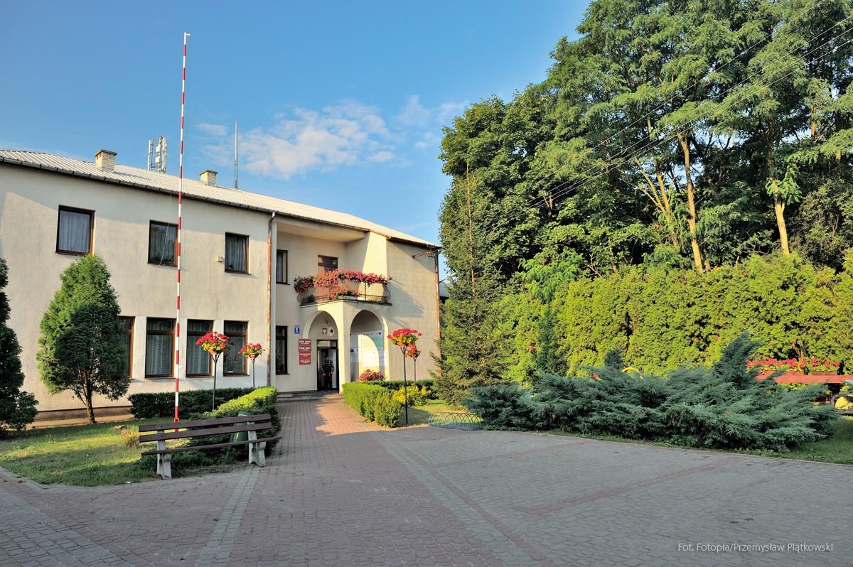 Budynek urzędu Gminy od strony północnej.